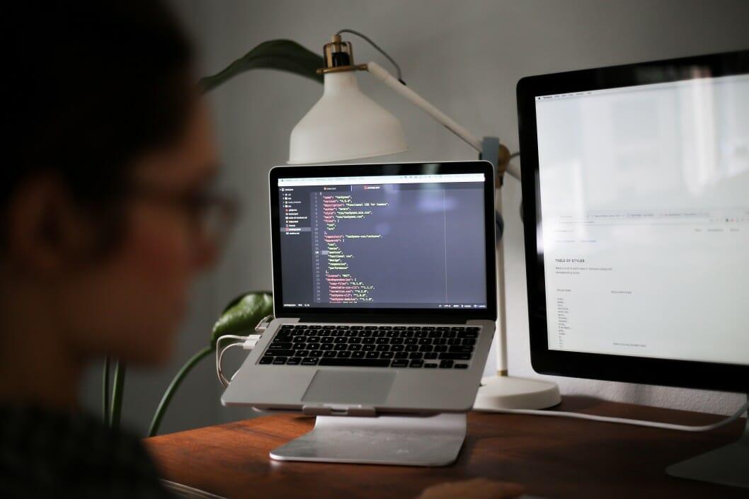 Descuidar el diseño de sitios web.